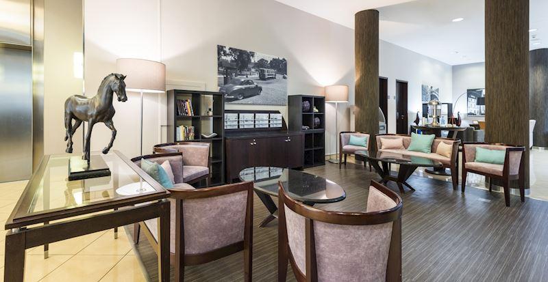 Pohodlně se usaďte v lobby hotelu
